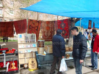 At Vernisage, an Arts & Crafts Market in Yerevan